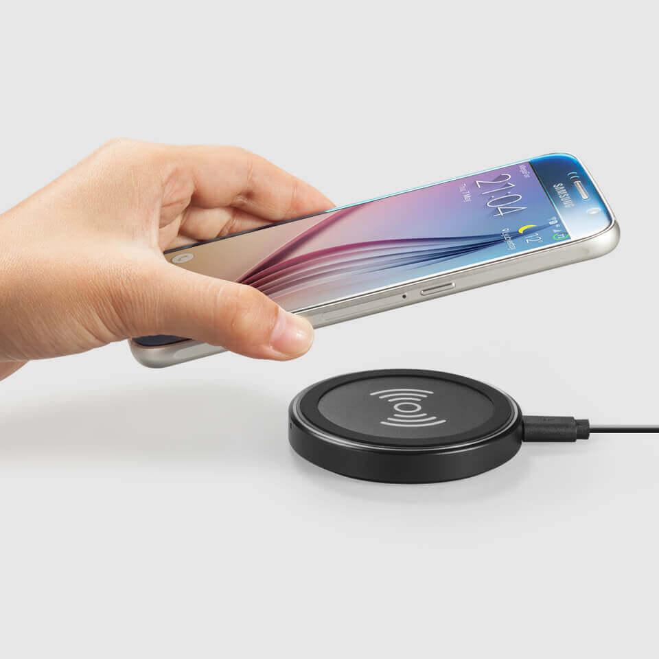 Anker PowerPort Wireless 12W Wireless Charging Pad — поставка (пад) за безжично захранване за QI съвместими устройства (черен) - 4