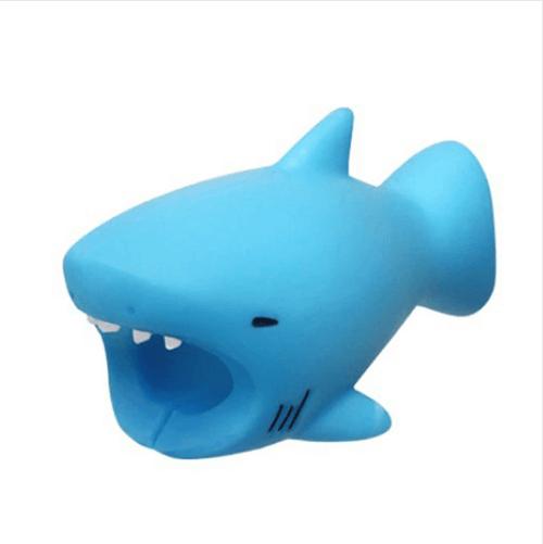 Cable Bite Protection — артистичен аксесоар, предпазващ вашия Lightning кабел (синя акула) - 1