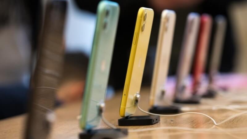 Новият iPhone може да пристига без зарядно и слушалки